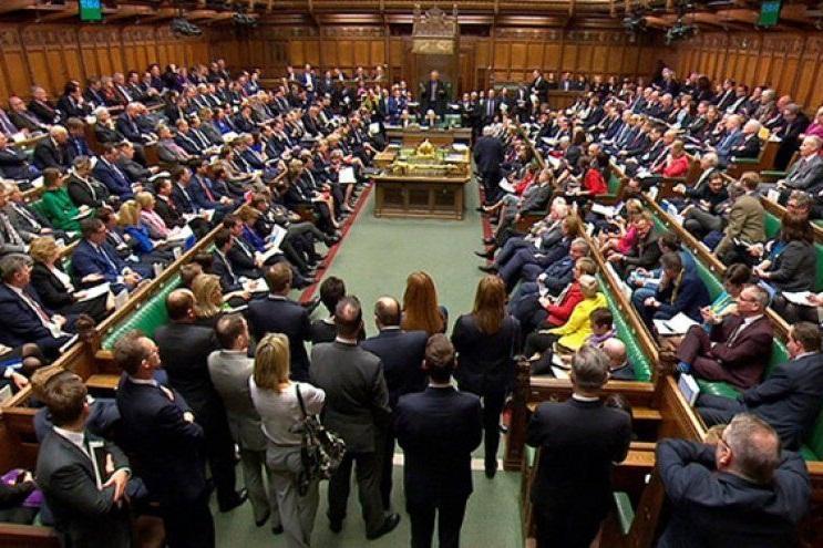 قانونگذار انگلیسی به اتهام تجاوز به کارمند مجلس بازداشت شد