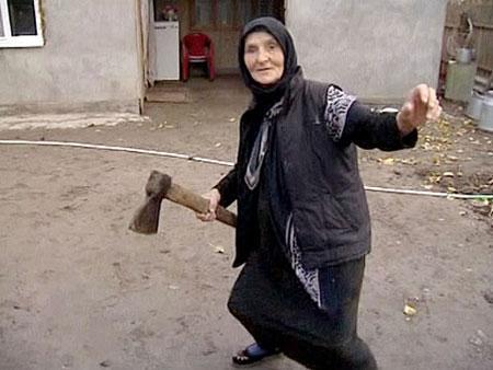 شجاع ترین مادربزرگ جهان
